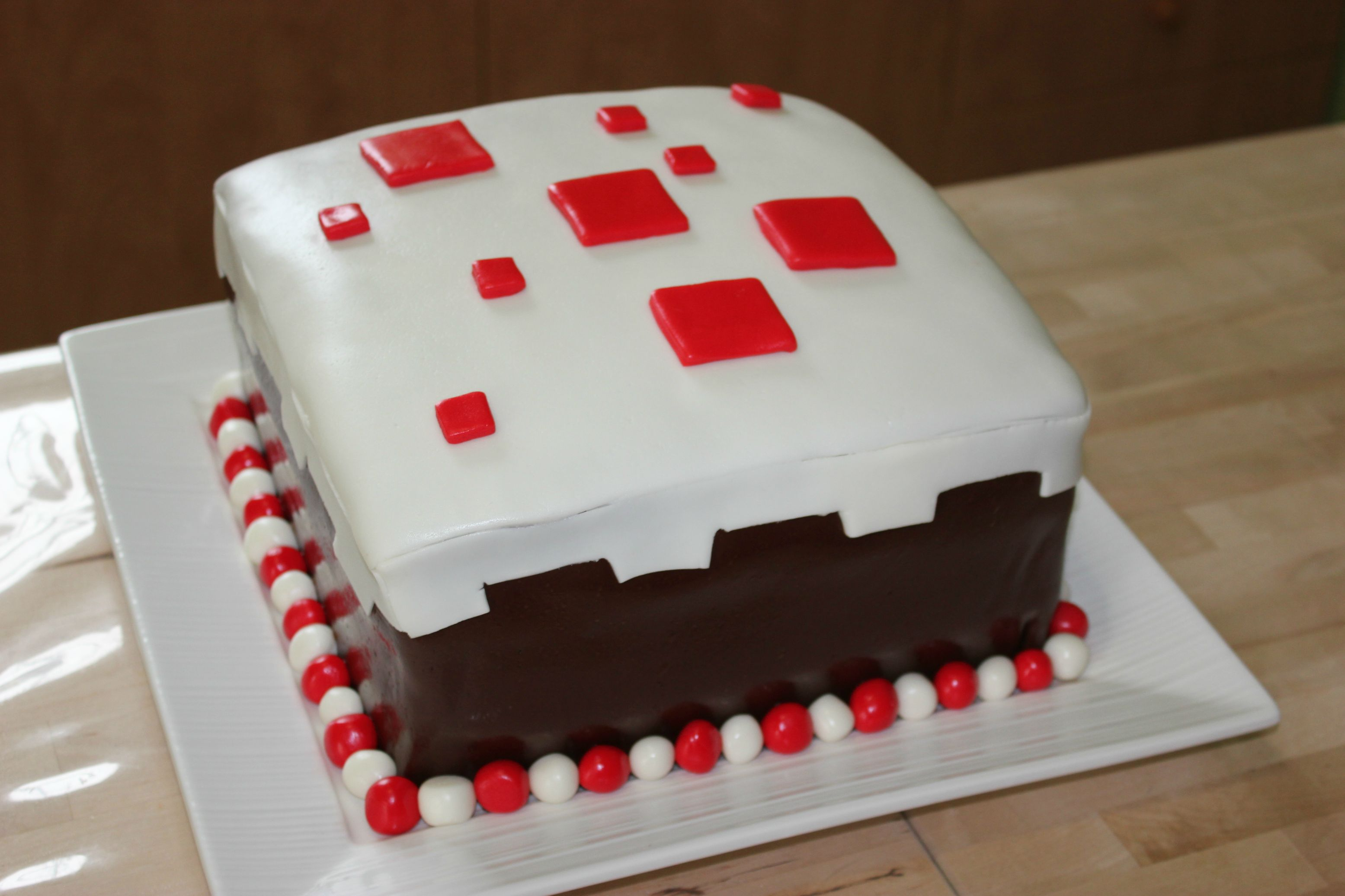 Minecraft Images For Birthday Cake : 5 Awesome Minecraft Cakes Gearcraft