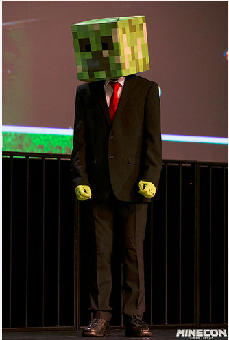 Minecon-2015-Minecraft-creeper-Gearcraft